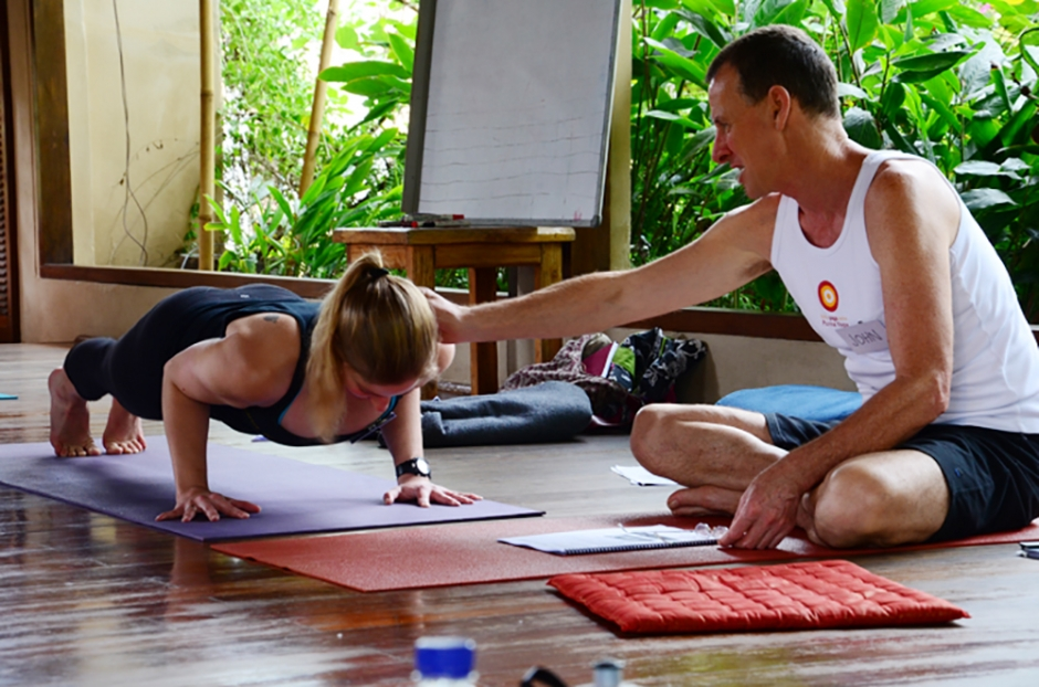 byron-yoga-john-teach_Bali