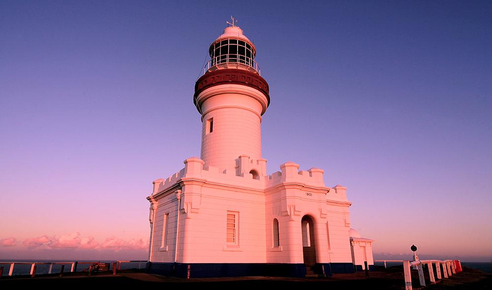 byron-yoga-byron-lighthouse