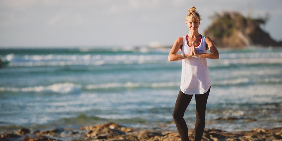 byron-yoga-davina-beach