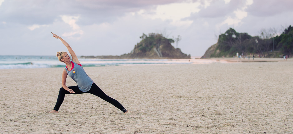 beach-byron-yoga-davina