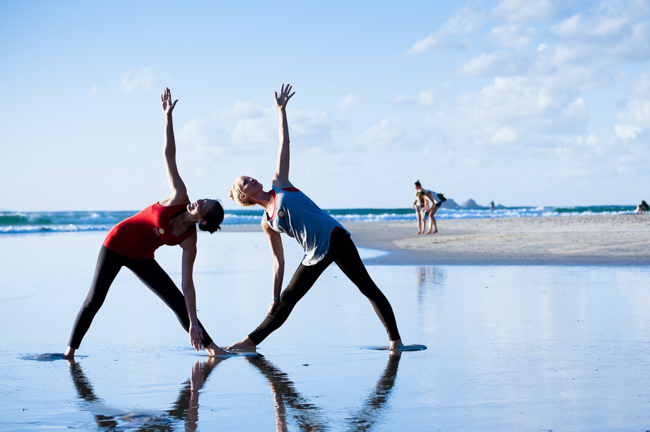 byron-yoga-beach