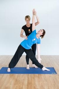 byron-yoga-kara-joni-940px